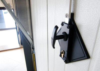 Portone basculante da garage BASCULINO - Stucco bianco C21 Verticale 02