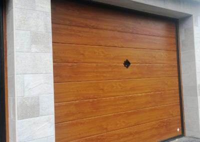 Portone basculante da garage SWING - Simil legno quercia dorata