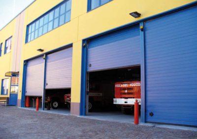 Portone sezionale industriale DOCK - Stucco Blu RAL 5010