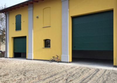 Portone sezionale industriale DOCK - Stucco verde RAL 6005